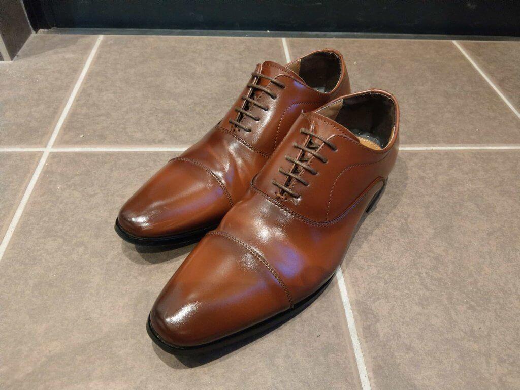磨いた革靴